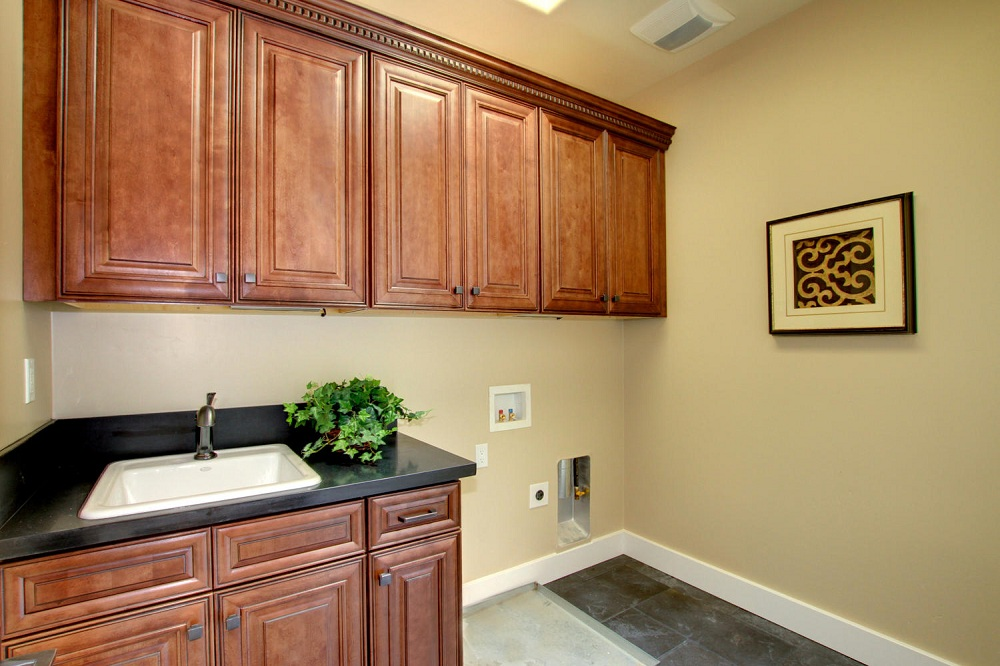 Chocolate Maple Glazed Cabinets